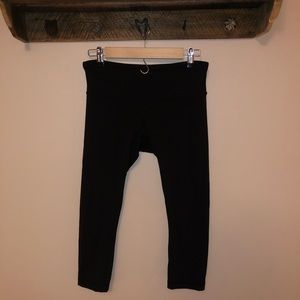 Lulu crop leggings